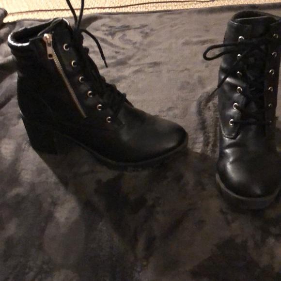 7f9e3a0f82e7 Black Combat Boots With Chunky Heel. M 5a9a1d37b7f72bc11f0f5dee